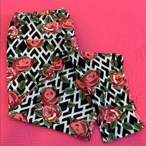TC LuLaRoe Leggings. Rose Lattice